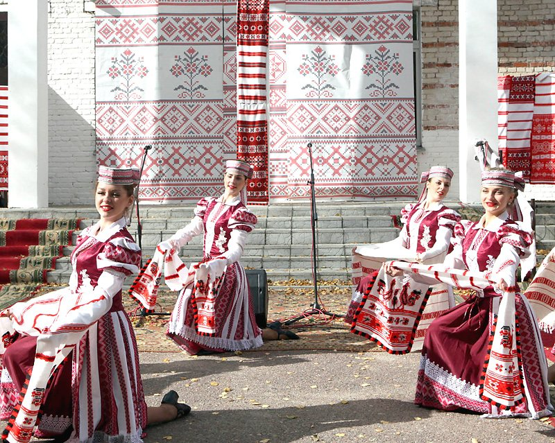 The first festival of Belarusian rushnyks in the village of Neglyubka
